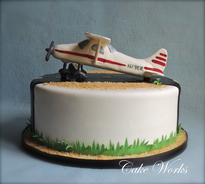 Images tagged airplane Cake Works